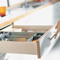 TANDEM это система скрытых направляющих для деревянных ящиков отличается плавным скольжением и удобством использования в любых помещениях.